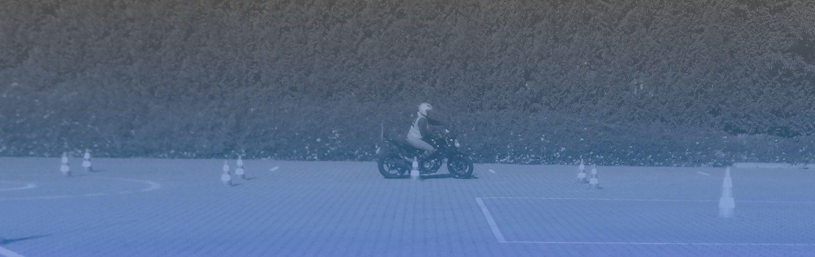 Ilustracja do informacji: Zawieszenie realizacji egzaminów praktycznych kat. motocyklowych